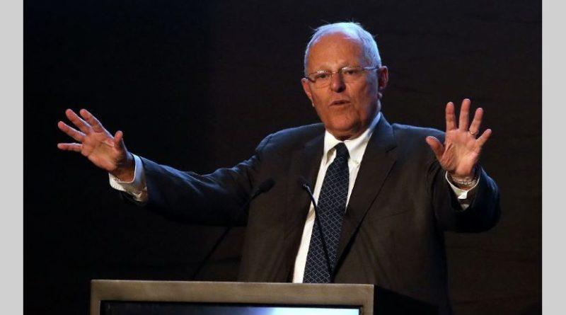 Renunció presidente de Perú