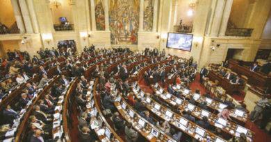 Cámara de Representantes, Moción de censura, Carrasquilla, El Sia Radio