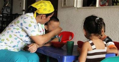 Madres Comunitarias, El Sia Radio