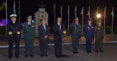 Nueva cúpula militar, El Sia Radio, Iván Duque