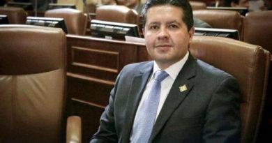 Hernán Gustavo Estupiñán, El Sia Radio