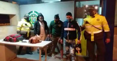Capturados tres ciudadanos venezolanos, que estaban cometiendo hurtos a personas en Suba.