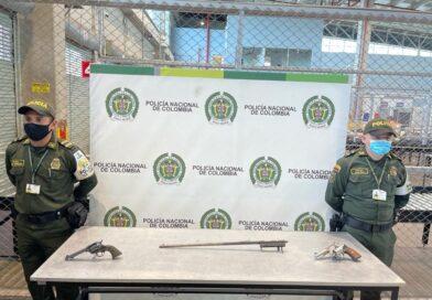 Caen 2 armas de fuego en el aeropuerto el Dorado