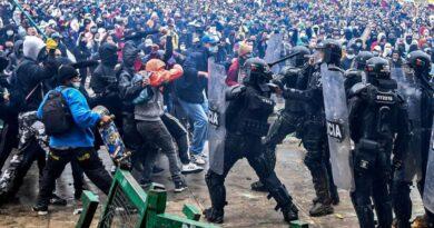 Marchas en Colombia dejan más de 19 fallecidos y 800 heridos.